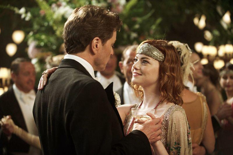 """Una scena romantica con i due protagonisti di """"The magic in the moonlight"""""""