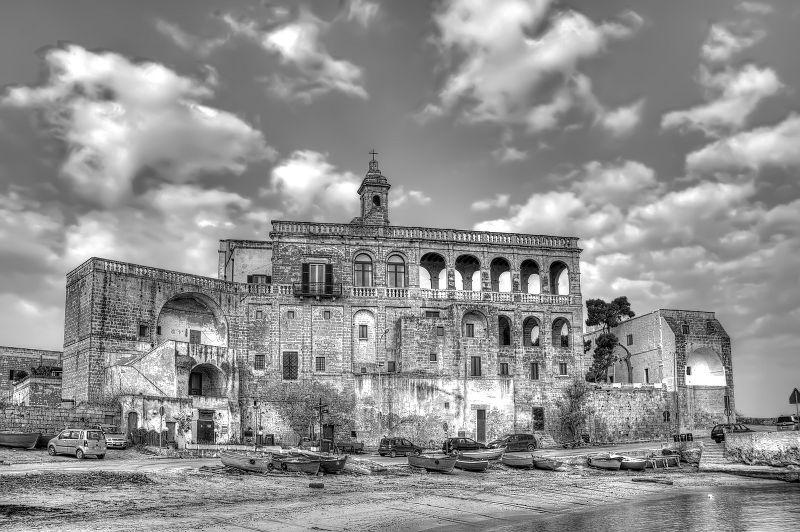 La famosa abbazia di San Vito di Polignano a Mare