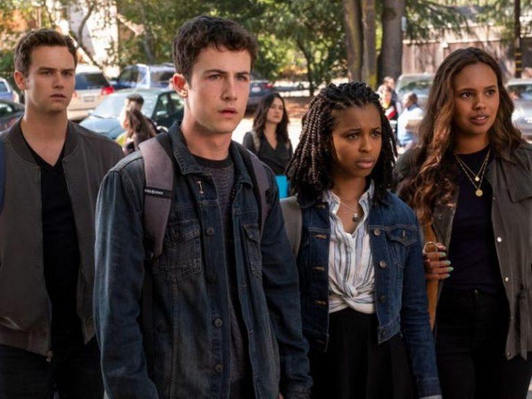 Serie Netflix 13 reasons why: storia di bullismo e violenza nella scuola americana